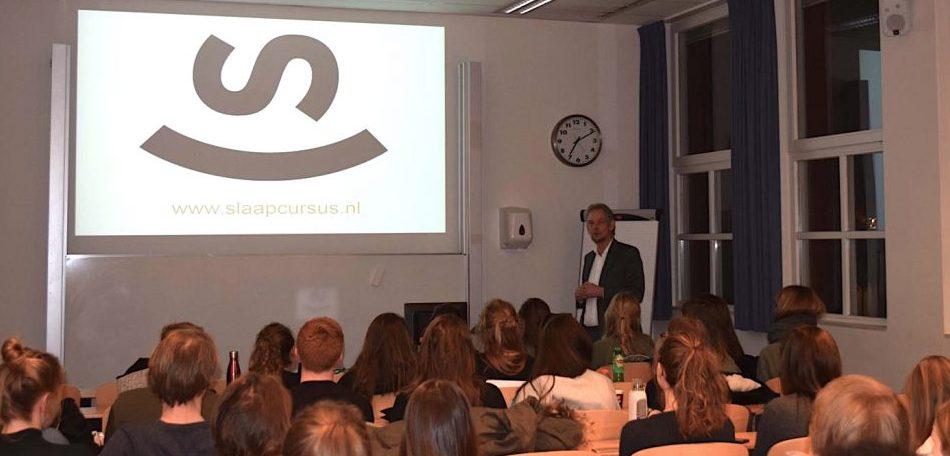 Theatercollege over slaap en slapeloosheid voor Rijks Universiteit Groningen RUG