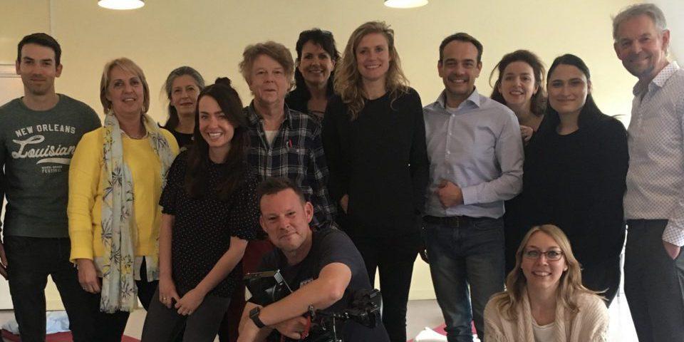 Alle Deelnemers en Deelneemsters aan de Slaapcursus met Sophie Hilbrand voor een speciale aflevering over slaap van 'Sophie in de Mentale Kreukels' (BNN VARA)